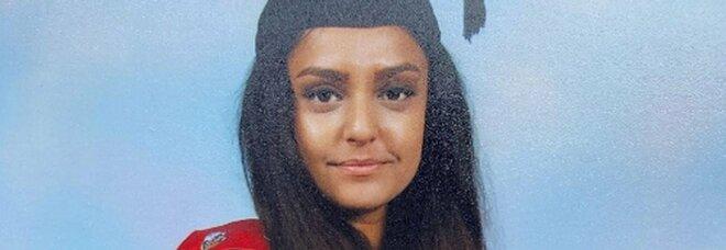 Sabina Nessa, prof uccisa a 36 anni nel parco sotto casa: arrestato un fattorino dell'Est