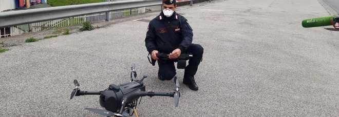 Coronavius a Napoli, a Scampia arrivano i droni anti-assembramenti