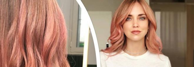 Chiara Ferragni si tinge i capelli di rosa e posta la foto su Instagram: «Pronta per Ibiza»