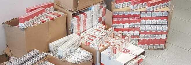 Contrabbando di sigarette a Melito, tre arresti: in casa 50 chili di tabacchi