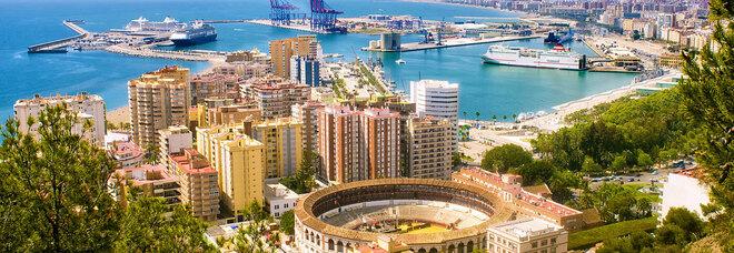 Niente moduli Covid, restano a terra undici passeggeri del Malaga-Napoli