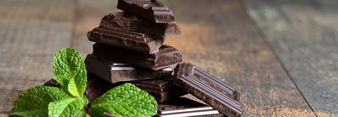 Giornata Internazionale della Felicità: cioccolato, carni bianchi e frutta secca, il triplete del buonumore a tavola