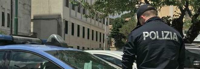 Roma, lite furiosa in strada: padre di 57 anni accoltella al torace il figlio 30enne
