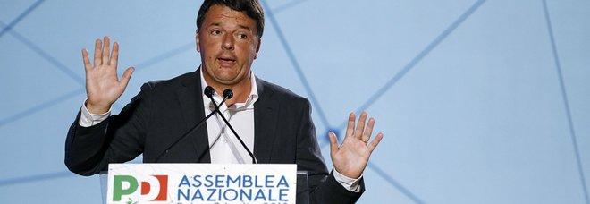 Renzi-Cuperlo, scintille all'assemblea Pd. «Perderete ancora»: La replica: «Non puoi calpestare la mia storia»