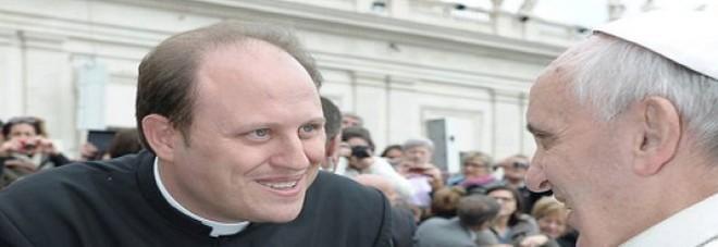 Prete hot, martedì l'interrogatorio: la Procura cita anche il vescovo