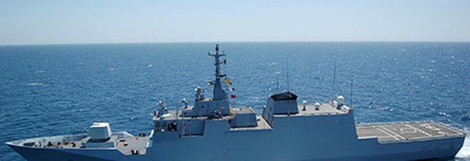 Migranti, il Pattugliatore Comandante Foscari salva 49 naufraghi nel Mediterraneo