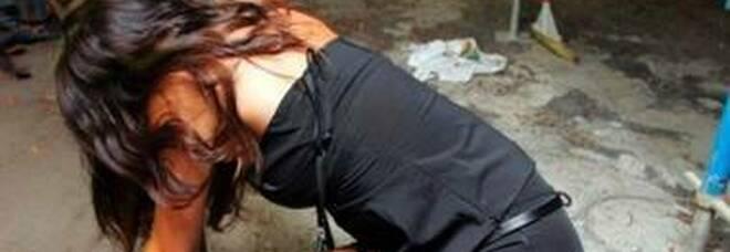 Siena, ragazza di 21 anni denuncia stupro di gruppo: indagati quattro giovani