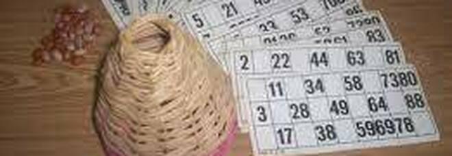 Si riuniscono per giocare a tombola: 30 persone multate a Napoli