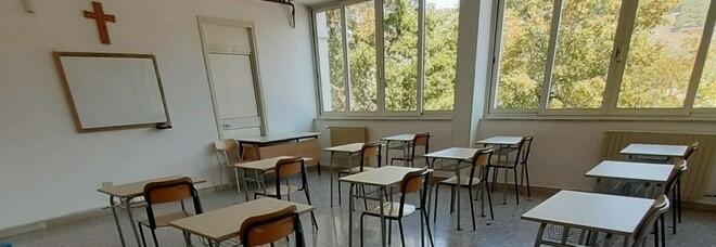 Covid, focolaio in aula a Lenola: ma la scuola non chiude