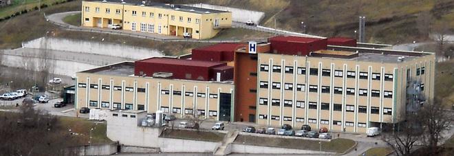 Condannato per abusi su studenti: accuse negate, prof muore