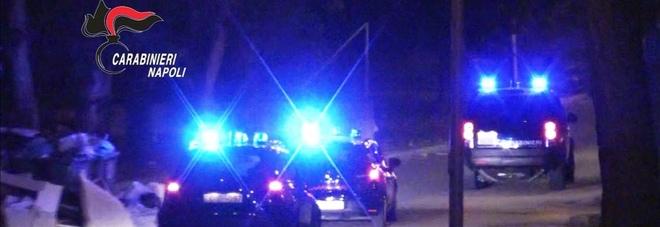 Rapina a Boscoreale, commerciante reagisce e il ladro spara: è caccia all'uomo