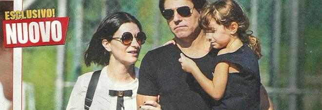 Laura Pausini, Paola Carta vanno a prendere la figlia Paola a scuola