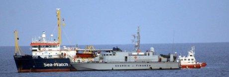 Sea Watch lascia Lampedusa: indagato il comandante