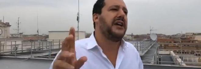 Salvini: «Guiderò la ruspa che abbatterà la villa abusiva dei Casamonica a Roma»