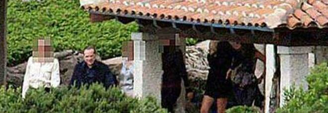 Silvio Berlusconi a villa Certosa nelle foto
