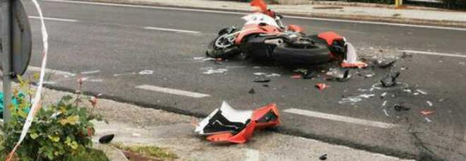 Ancona, torna a casa con la moto nuova: Diego muore dopo lo schianto con un furgone