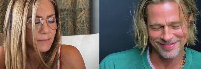 Brad Pitt e Jennifer Aniston di nuovo insieme : il flirt in diretta streaming: «Vuoi salire da me?»