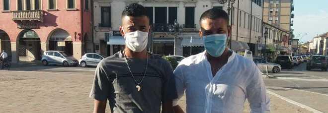 PROTAGONISTI I due marocchini esclusi dal bar a Piove di Sacco Atef Hammadi, 37 anni e Hafid El Hatimi, 31 anni