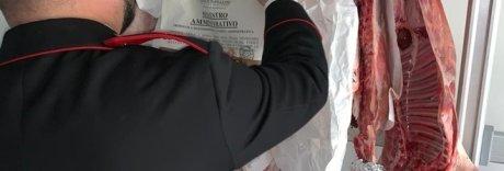 Carne «fuorilegge» per Pasqua, sequestrati 277 chili a Napoli