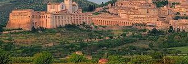 «Fate un figlio e vi regaliamo un soggiorno ad Assisi»  Il Mattino