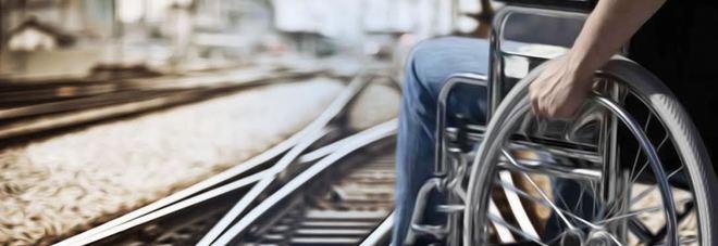 Offende disabile sul treno, poi: «Sono un imbecille»