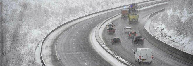 Meteo, il freddo investe l'Italia: neve anche in collina, allerta al Centro-Sud