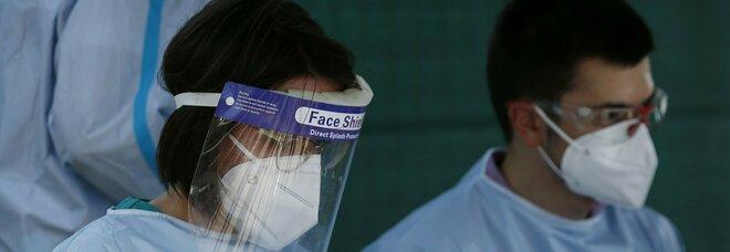 Coronavirus, focolaio a Mantova: i positivi salgono a 127 tra lavoratori e braccianti di un'azienda agricola