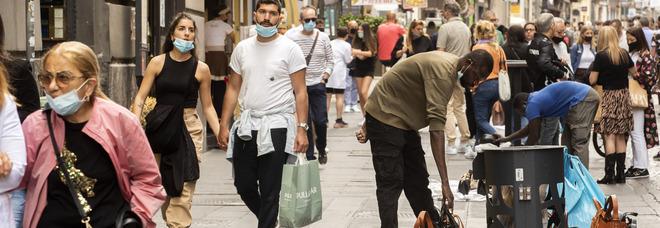 Turismo a Napoli, il flop dell'accoglienza: cantieri, degrado e zero informazioni