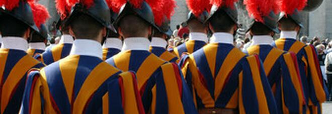 Vaticano, 34 nuove guardie svizzere: militari ma anche un po' «missionari e discepoli»