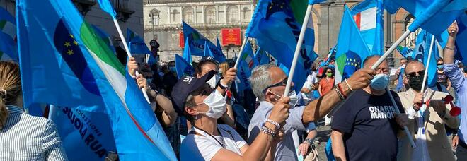 Scuola, prof e precari Uil in piazza: «La Campania è penalizzata»