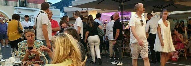 Covid a Capri, nuovi positivi e il sindaco accusa: «Colpa di feste e cene senza regole»