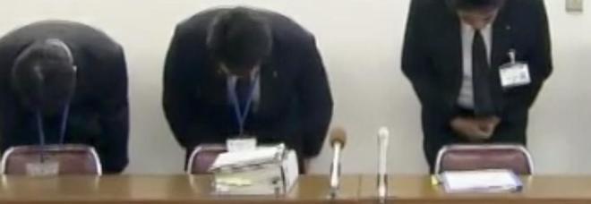 Giappone, lavoratore multato: «La pausa pranzo durava 3 minuti in più». E l'azienda si scusa in tv