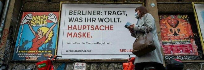Seconda ondata Covid, in Europa i casi non scendono abbastanza: Germania verso nuova stretta, timori in Francia