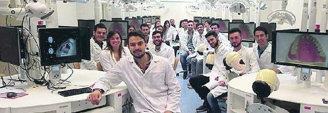 Studenti in sala operatoria ma il paziente è un robot