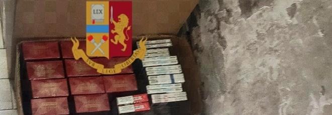 Contrabbando di sigarette a Napoli, 569 stecche nell'androne del palazzo