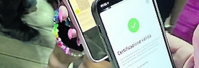 Vaccinati ma senza green pass: 2mila baresi chiedono la certificazione verde alla Asl