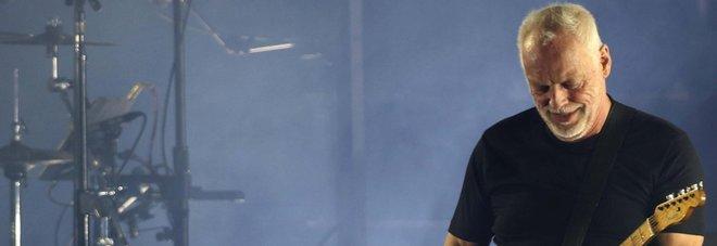Gilmour a Pompei, aprono i cancelli: fischi per Stash dei Kolors
