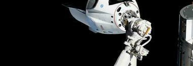 Space X in orbita con equipaggio di soli civili. Mercoledì il viaggio spaziale