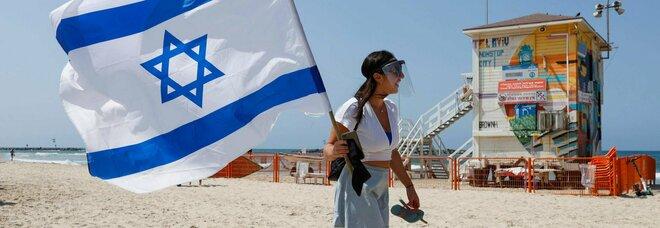 Israele, lockdown durerà più di un mese. Netanyahu: «Via gli aiuti economici a chi non rispetta le restrizioni»