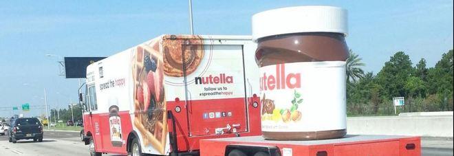 Incidente ad orvieto il camion carico di nutella si - Foto di grandi camion ...