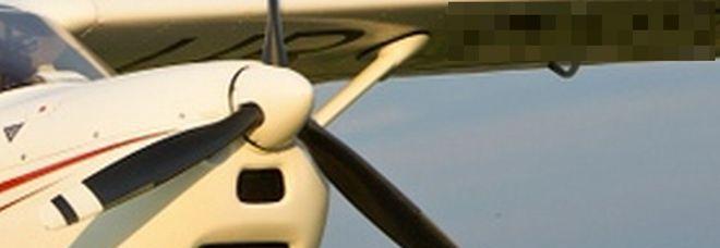 Aereo Privato Napoli : Precipita un aereo privato morti il pilota e una
