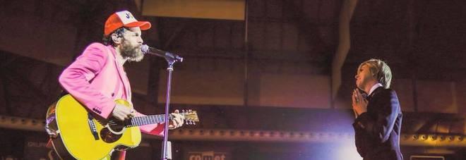 Jovanotti, Le Iene al concerto. Lorenzo dedica una canzone a Nadia Toffa: «Sono una ragazza fortunata»