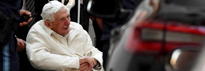 Ratzinger oggi compie 94 anni: è il più longevo d'età tra i papi della Chiesa