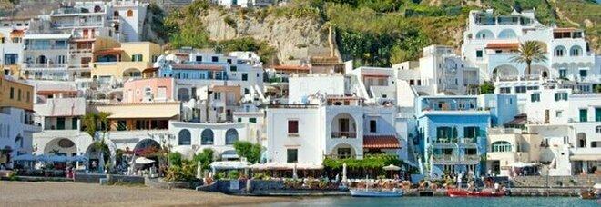 Il prefetto di Napoli a Ischia: «Più sicurezza sull'isola»