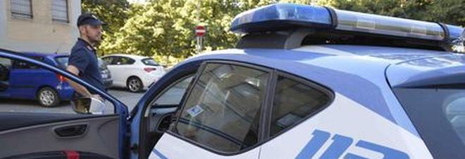Giovane donna trovata morta nella vasca da bagno di casa: il fidanzato confessa l'omicidio