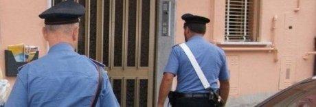 Accoltella e uccide il fratello davanti alla madre: arrestato
