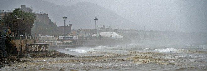Allerta meteo rossa in Campania: sarà un mercoledì da tregenda