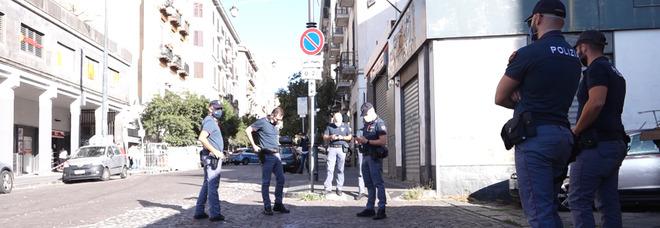 Ragazzo ucciso a Napoli: conflitto a fuoco con la polizia, morto rapinatore minorenne, arrestato il figlio di Genny la Carogna