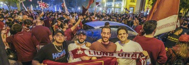 La Salernitana torna in città: ma la sfilata viene rinviata