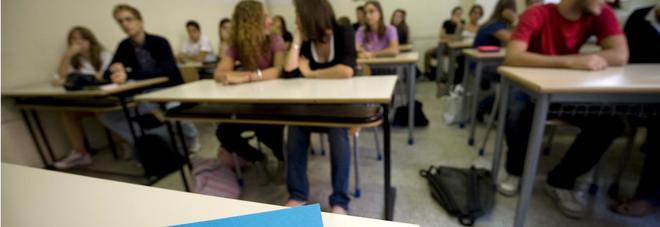 Risultati immagini per scuola cASERTA rischio chiusura
